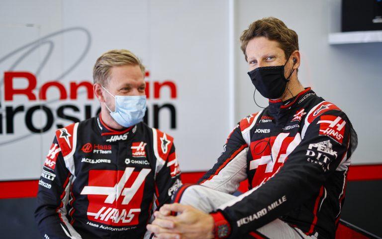 Kevin Magnussen a Romain Grosjean