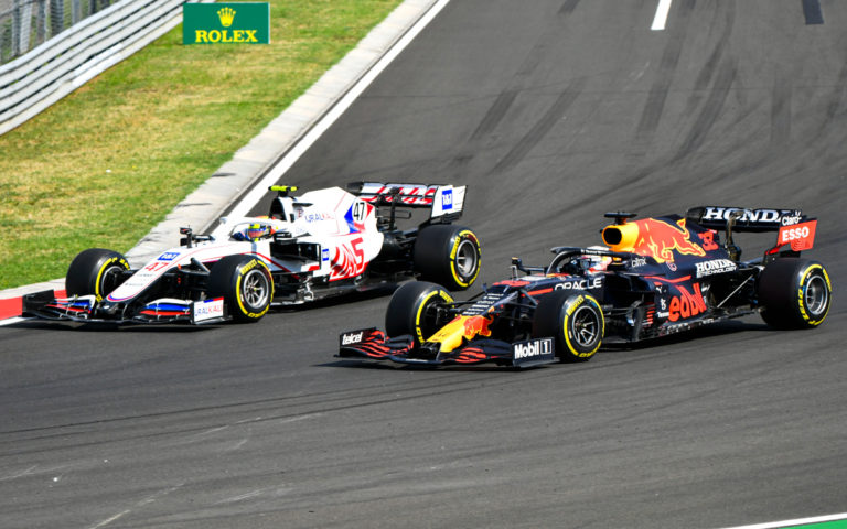 Mick Schumacher a Max Verstappen