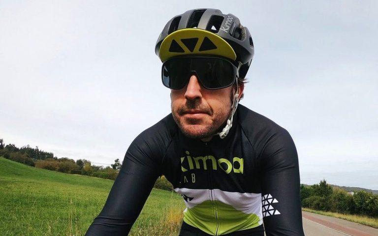 Fernando Alonso na bicykli