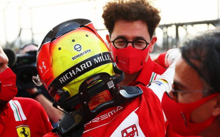 Mick Schumacher a Mattia Binotto