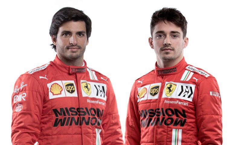 Carlos Sainz a Charles Leclerc