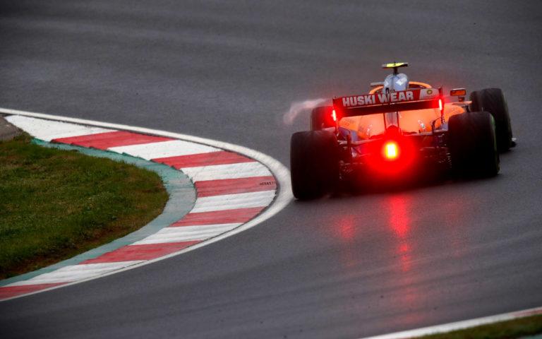 Lando Norris, McLaren zozadu a červené svetlá