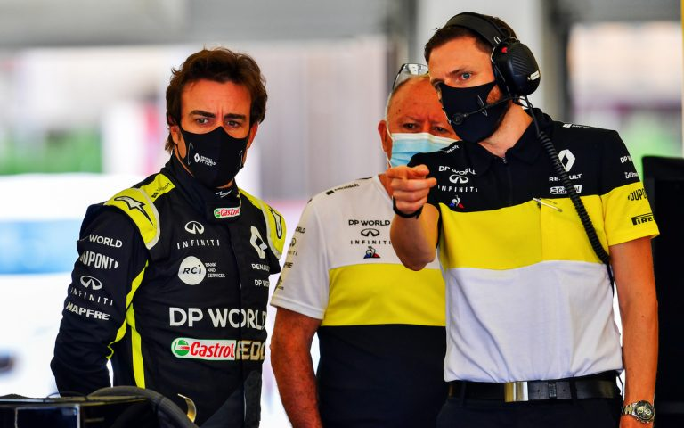 Fernando Alonso testuje R.S.18