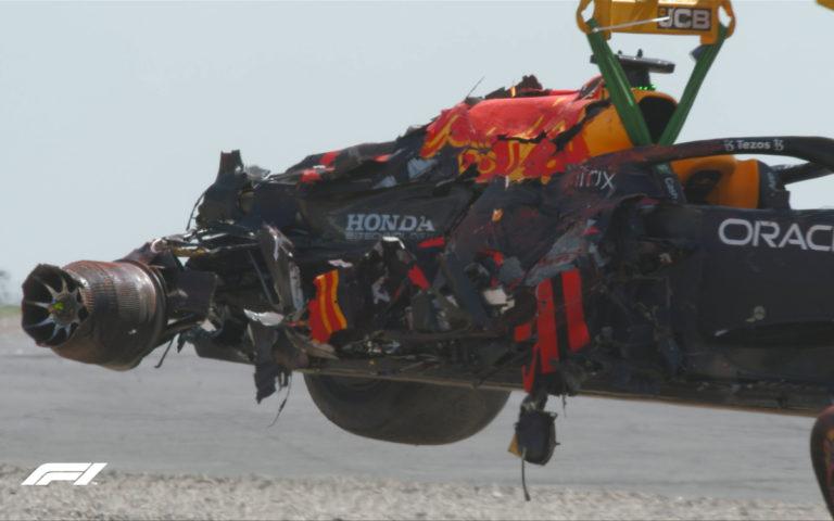 Monopost Maxa Verstappena po nehode na VC Veľkej Británie 2021