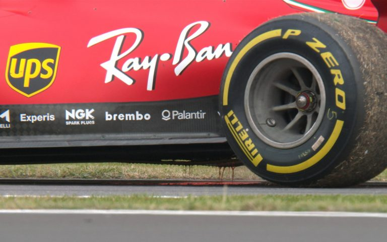 Vytekajúci olej z auta Sebastiana Vettela