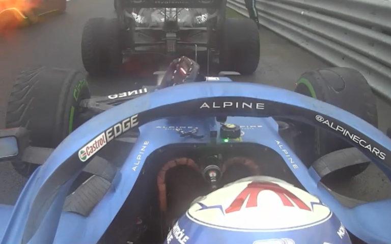 Zničená pneumatika Estebana Ocona