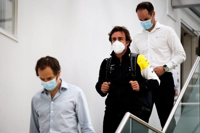 Fernando Alonso a Ciaron Pilbeam