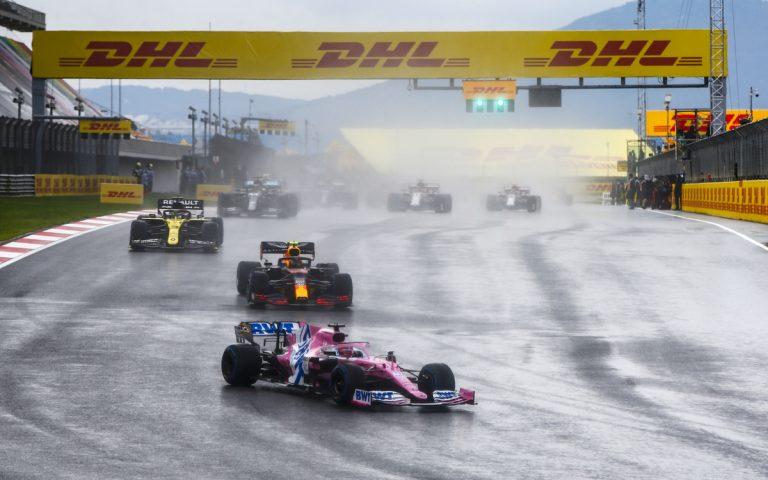 Sergio Pérez pred Alexom Albonom a Danielom Ricciardom