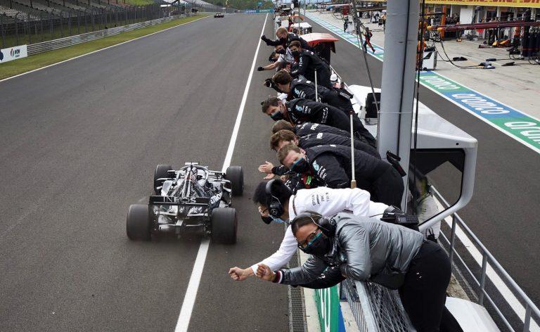 Lewis Hamilton a Mercedes