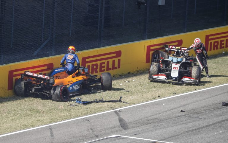 Carlos Sainz a Kevin Magnussen