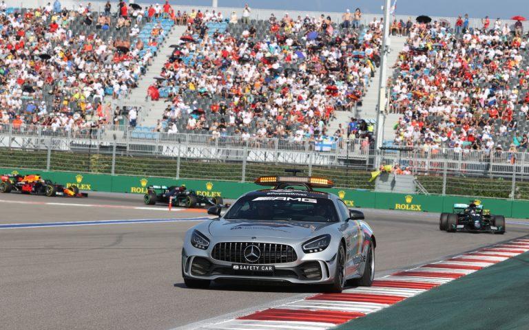 Lewis Hamilton za safety carom