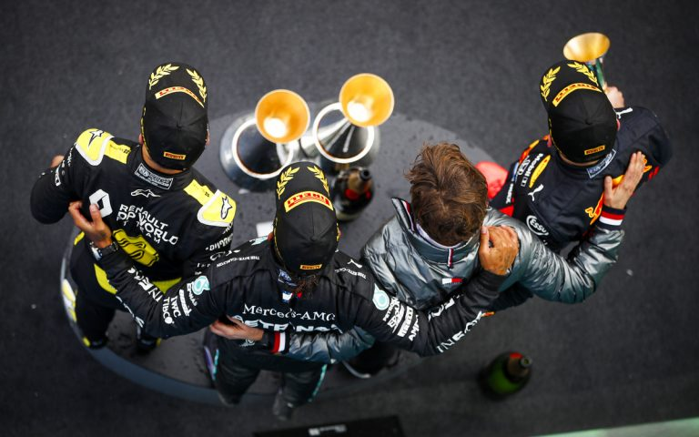Pódium VC Eifelu 2020, Hamilton, Verstappen, Ricciardo