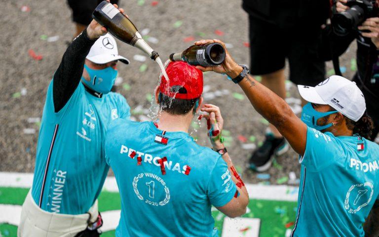 Valtteri Bottas, Toto Wolff, Lewis Hamilton oslavujú titul