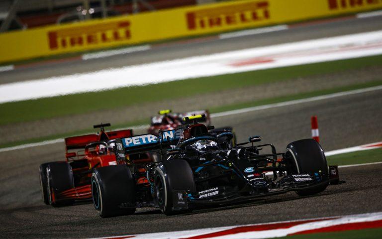 Valtteri Bottas pred Sebastianom Vettelom