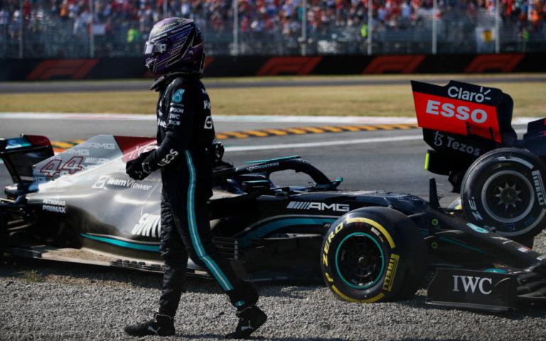 Lewis Hamilton po nehode s Maxom Verstappenom