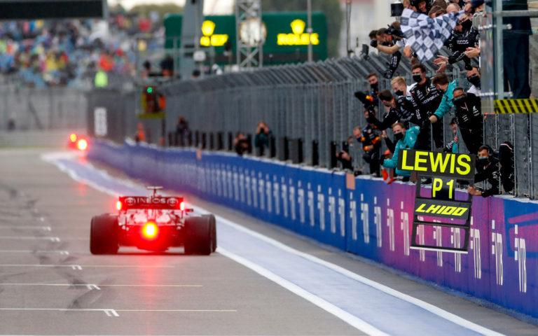 Lewis Hamilton v cieli VC Ruska 2021