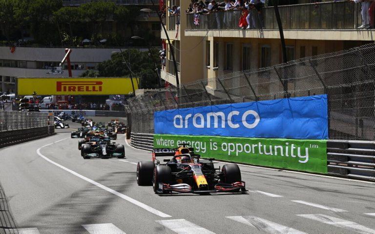 Max Verstappen po štarte VC Monaka