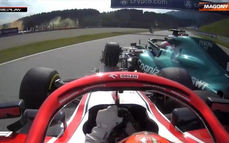 Nehoda medzi Kimim Räikkönenom a Sebastianom Vettelom