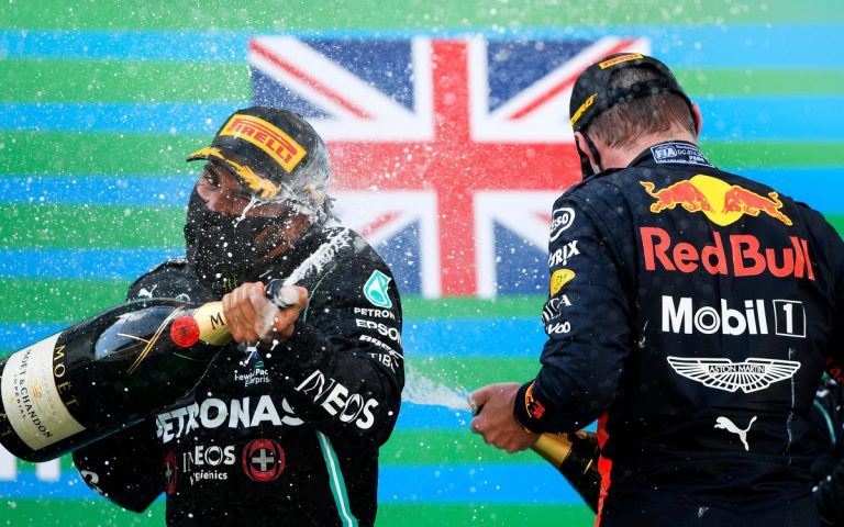Lewis Hamilton a Max Verstappen
