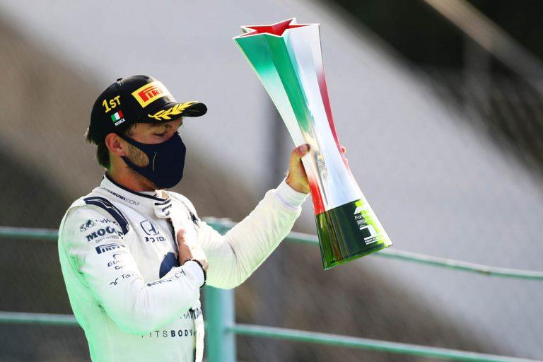 Pierre Gasly s talianskou trofejou