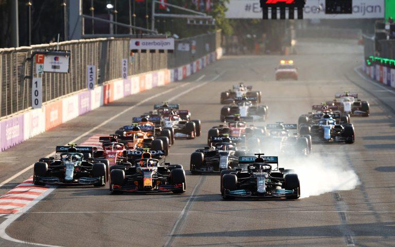 Lewis Hamilton nedobrzdil, reštart VC Azerbajdžanu 2021