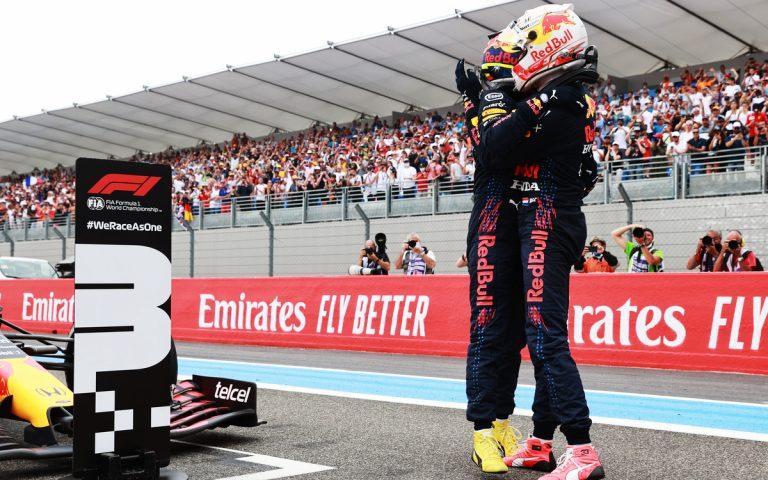Max Verstappen a Sergio Pérez