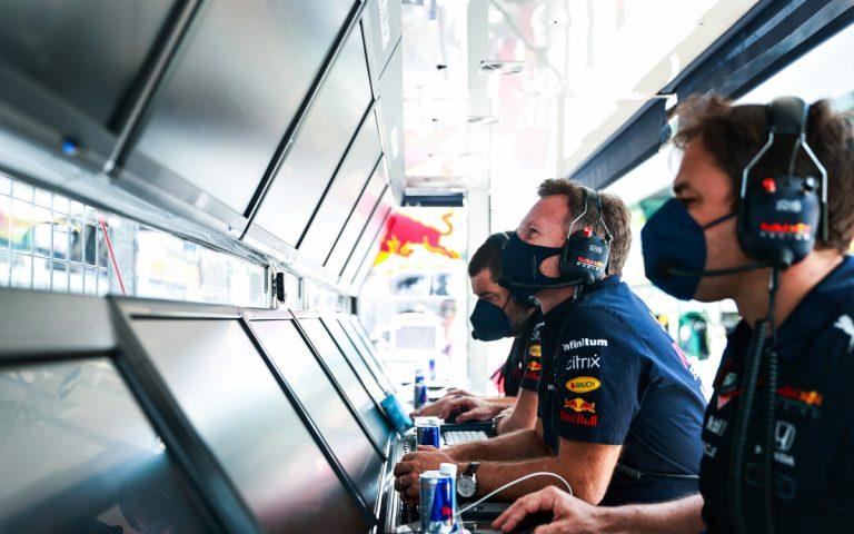 Christian Horner na boxovom múriku Red Bullu