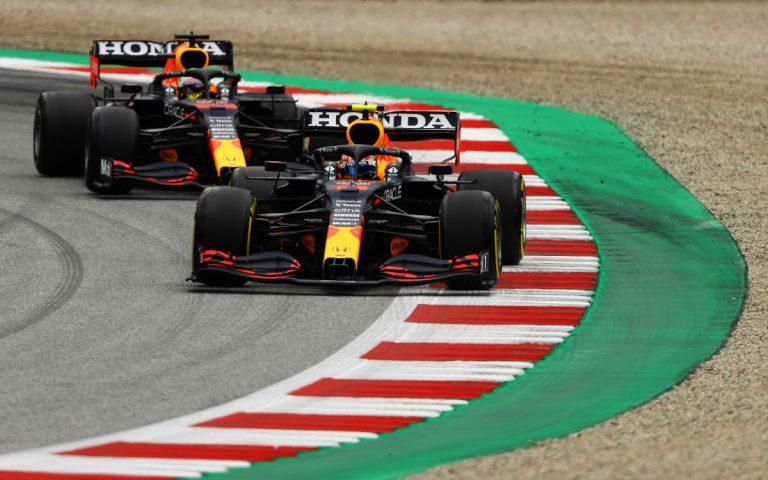 Sergio Pérez pred Maxom Verstappenom