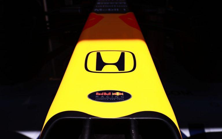Logá Hondy a Red Bullu