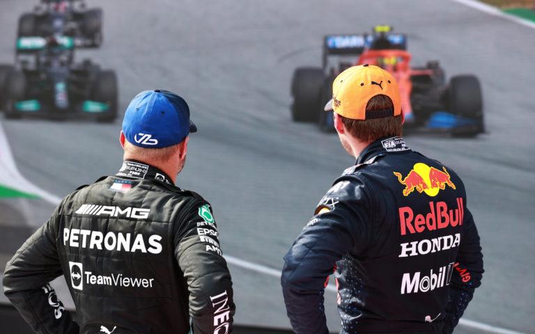 Max Verstappen a Valtteri Bottas