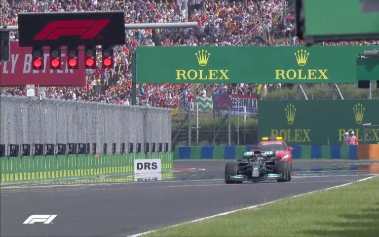 Lewis Hamilton sám na štartovom rošte VC Maďarska 2021