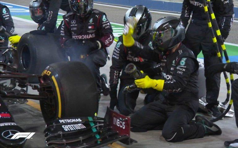 zlyhanie Mercedesu v boxoch